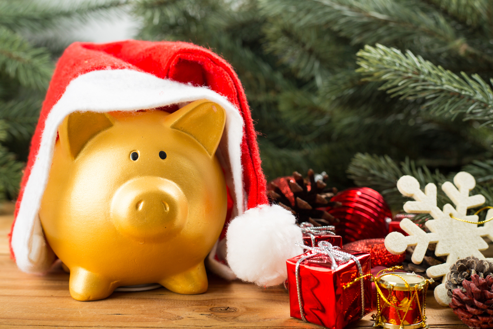 7 Secrets To Saving Money For The Holidays
