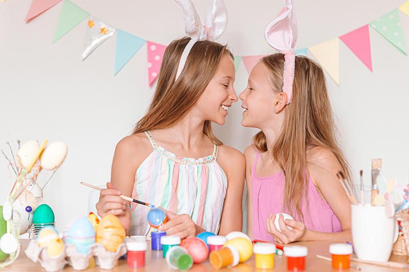 happy-easter-beautiful-little-kids-wearing-bunny-e-WUXE8YS
